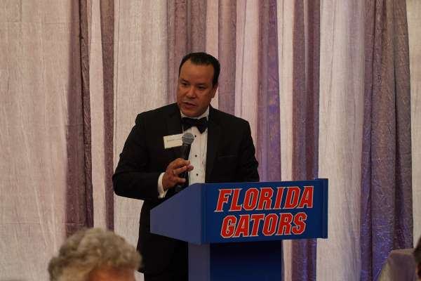 picture of dr rolando rivera addressing group