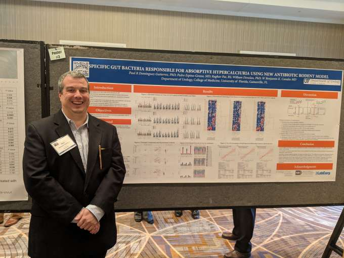 dr dominiguez with his poster at the sesaua