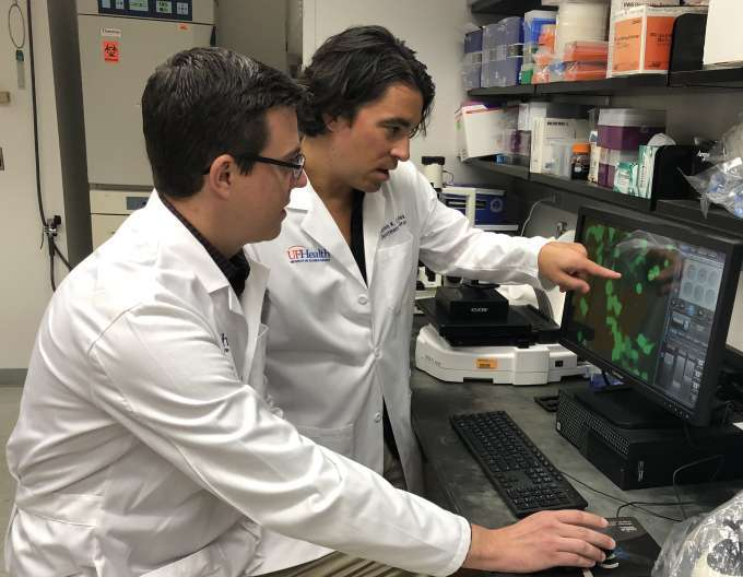 dr canales and dr donelan in the research lab